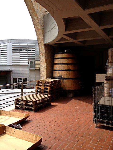 abruzzo_italy_masciarelli_loadingdock