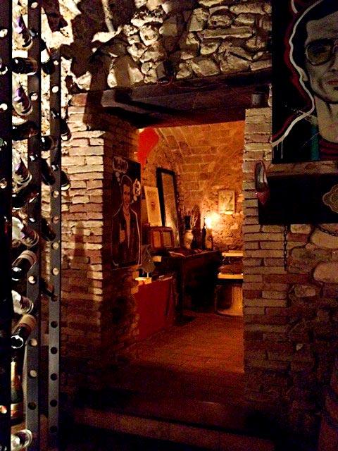 abruzzo_lavineria_winehallway