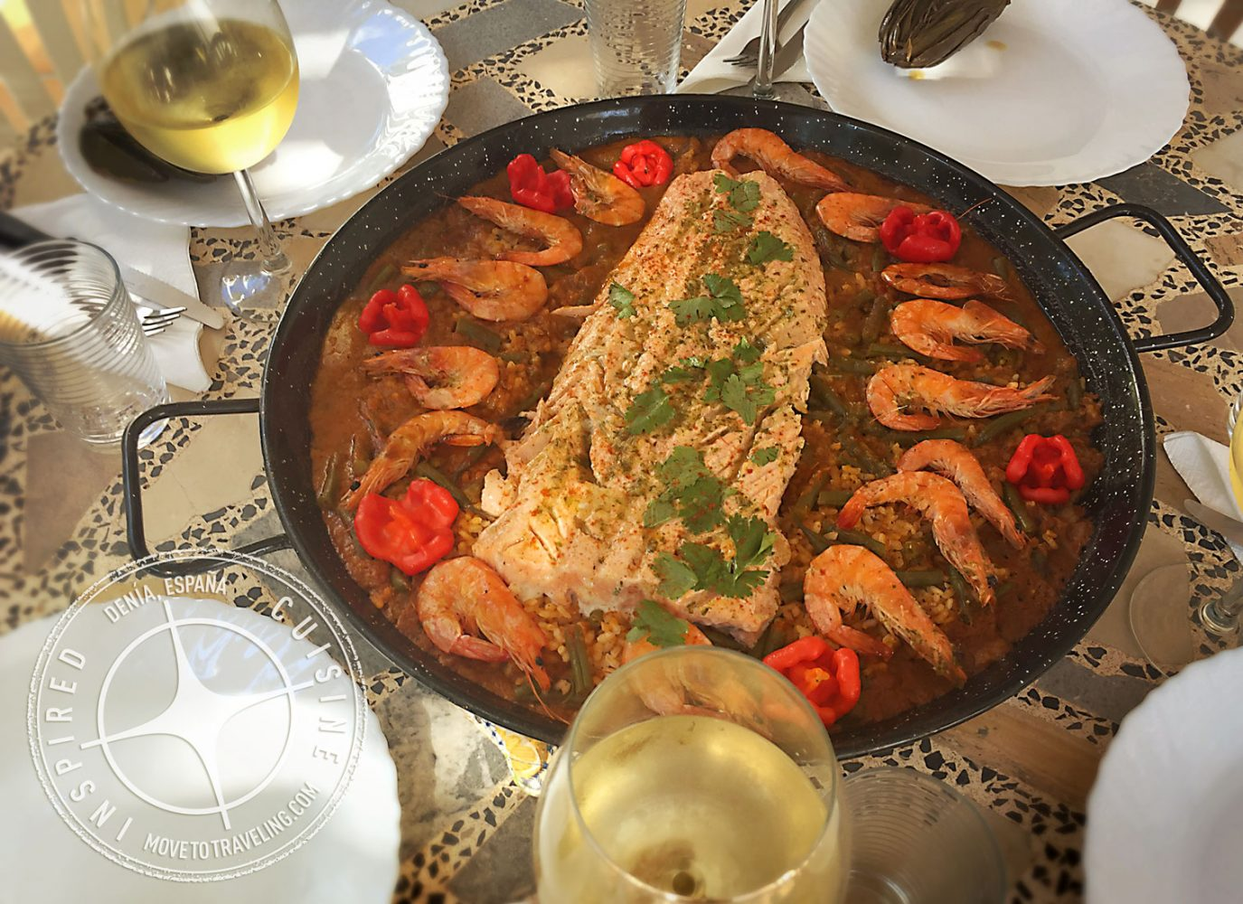 Recipe for Seafood Paella with Salmon – Arroz de Viernes