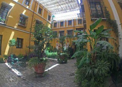 visit_Seville_hotel_courtyard_1