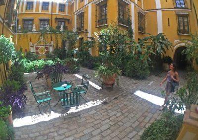 visit_Seville_hotel_courtyard_2