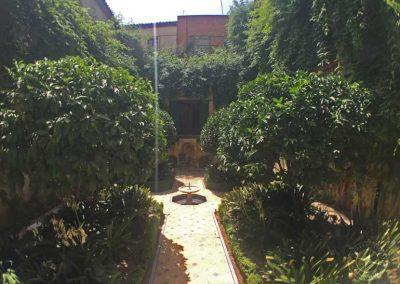 visit_Seville_hotel_courtyard_4