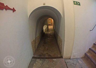 visit_Seville_hotel_tunnels_3