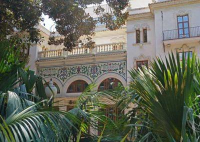 Visiting_Alicante_plaza_canalla_correos_building