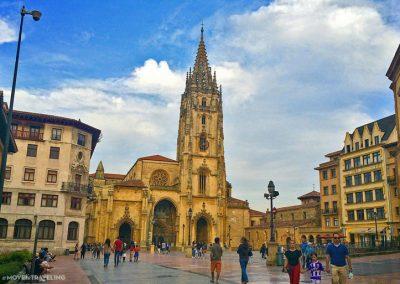 Visiting_Asturias_OviedoCathedral_PlazaView